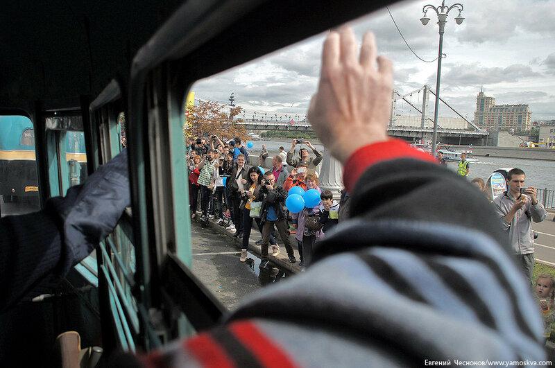 Лето. Парад автобусов. 13.08.16.23..jpg