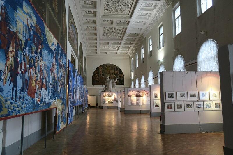 Дипломные работы учащихся С Петербургской Академии Художеств   Яндекс Фотках полный вид таких больших панно было три склеены из нескольких фот по причине размера огромного