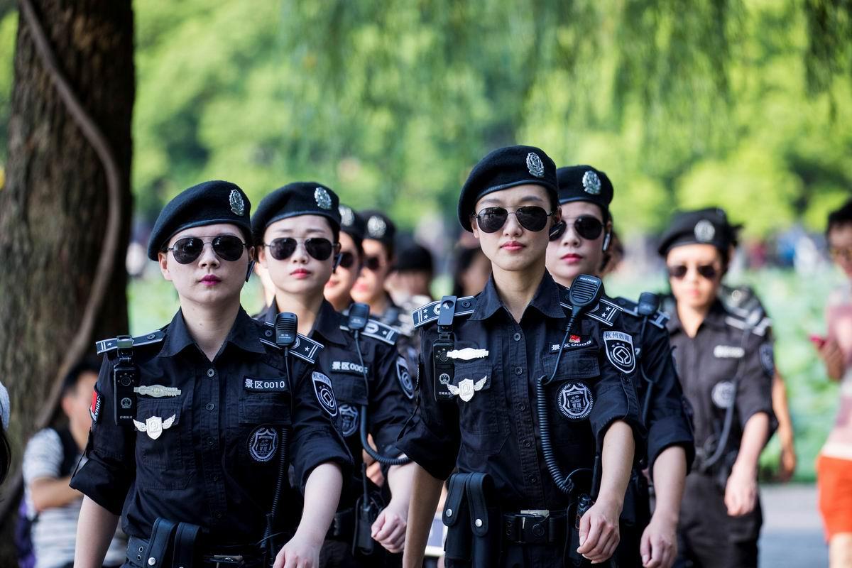 Стоять! Бояться!: Краса и гордость китайской полиции