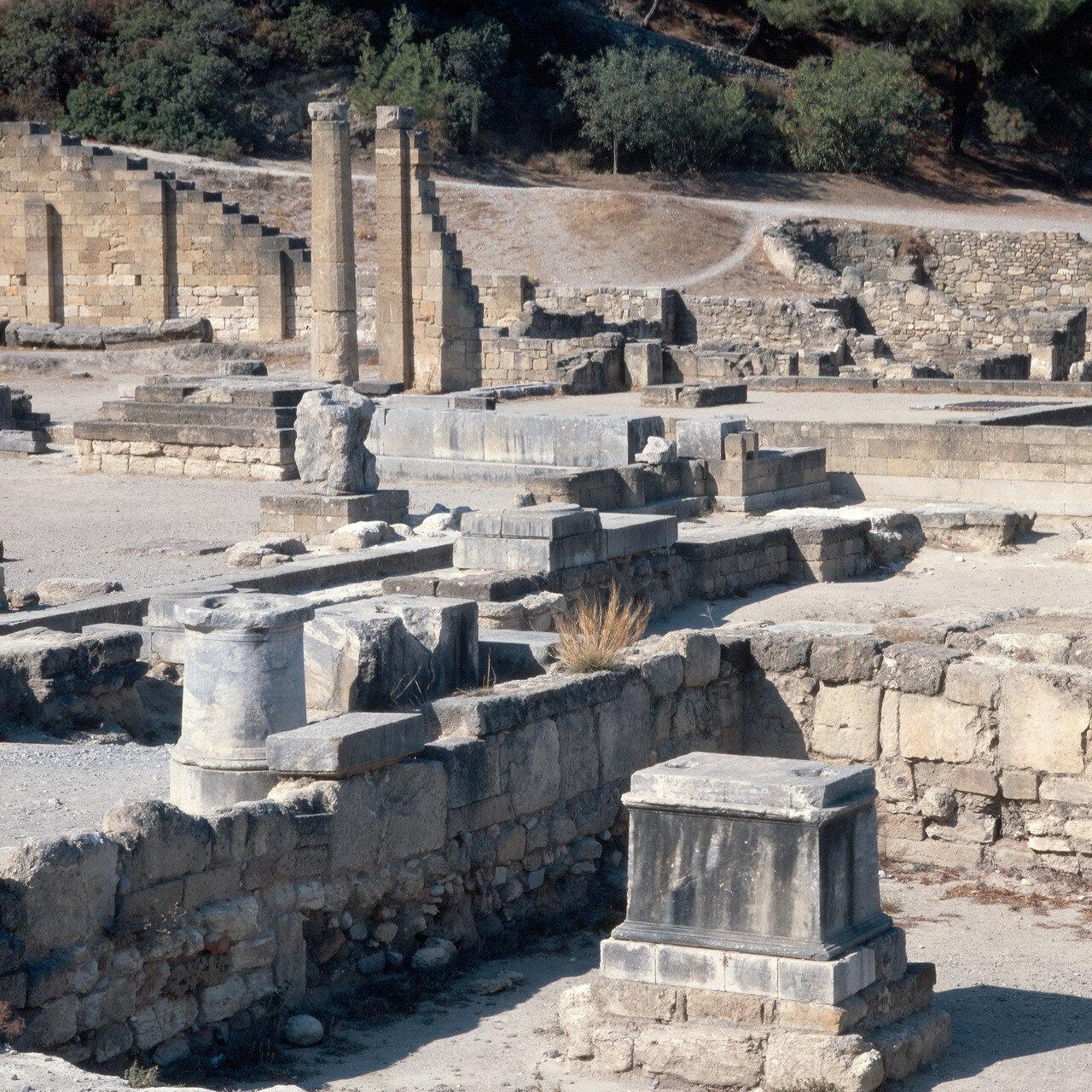 Камирос. Развалины храма  Аполлона Пифийского в нижнем городе