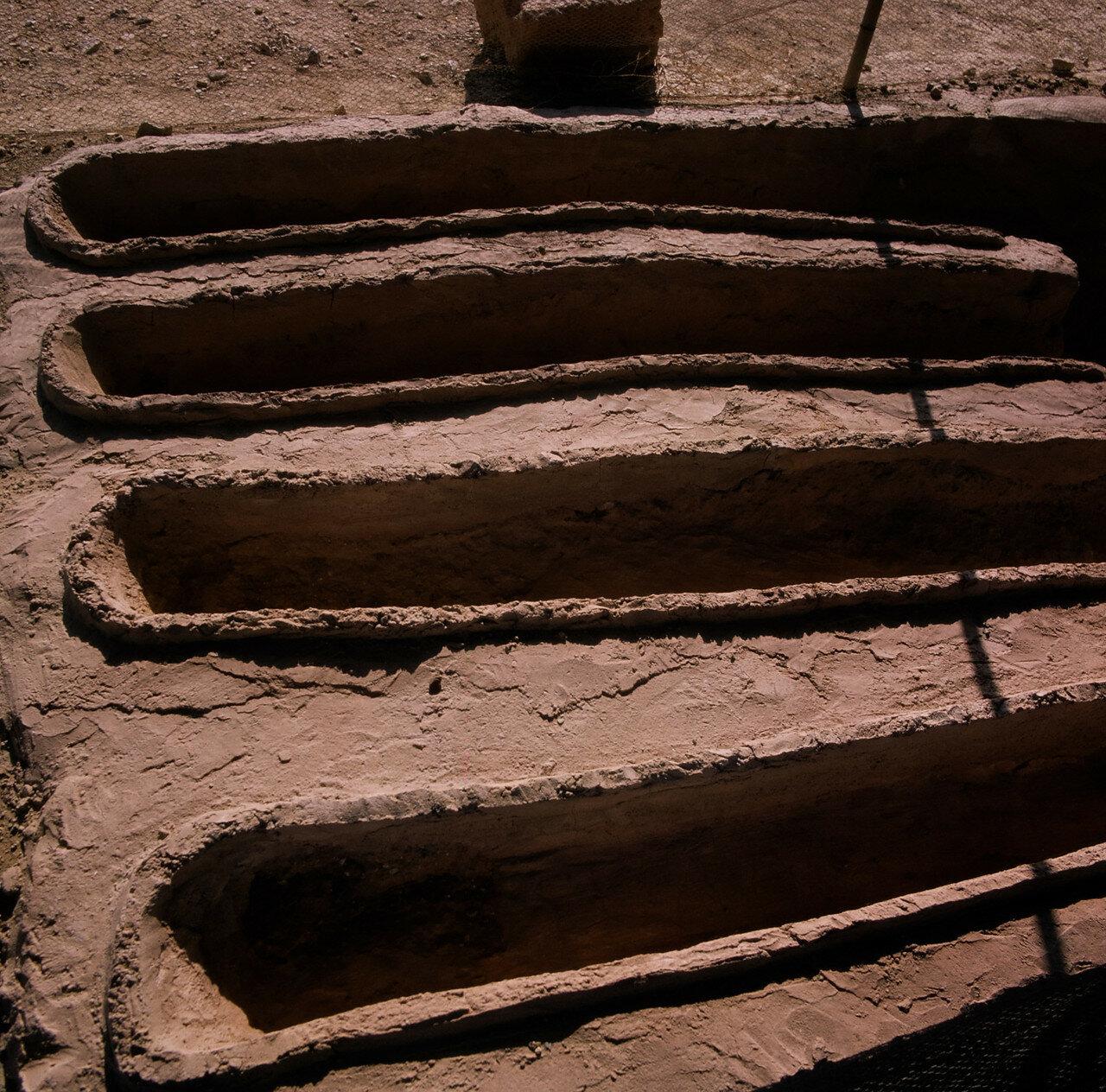 33. Терракотовые бадьи в северном крыле дворца, возможно связаны с бронзовым литейным производством