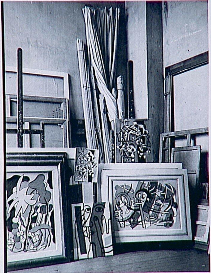 1937. Картины Фернана Леже в его мастерской на рю Нотр-Дам-де-Шам, 86