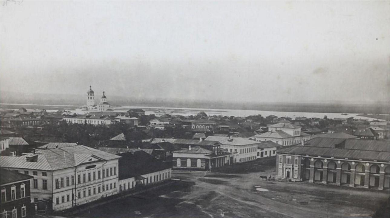 Панорама города с колокольни Тихвинской церкви. Вид на левую половину Тихвинской площади. 1865