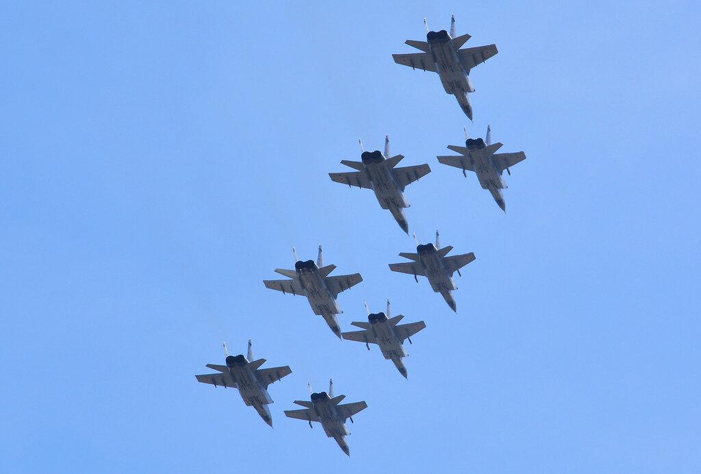 Parad23_MiG31.jpg