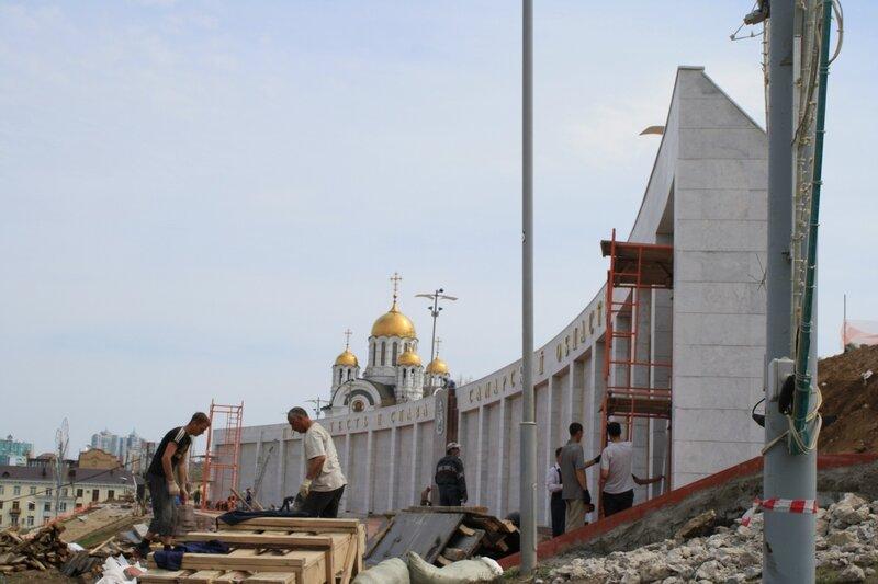 Монумент и Кошелев 072.JPG