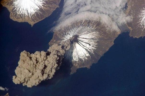 Красивые фотографии: извержения вулканов 0 10f566 aeb674de orig