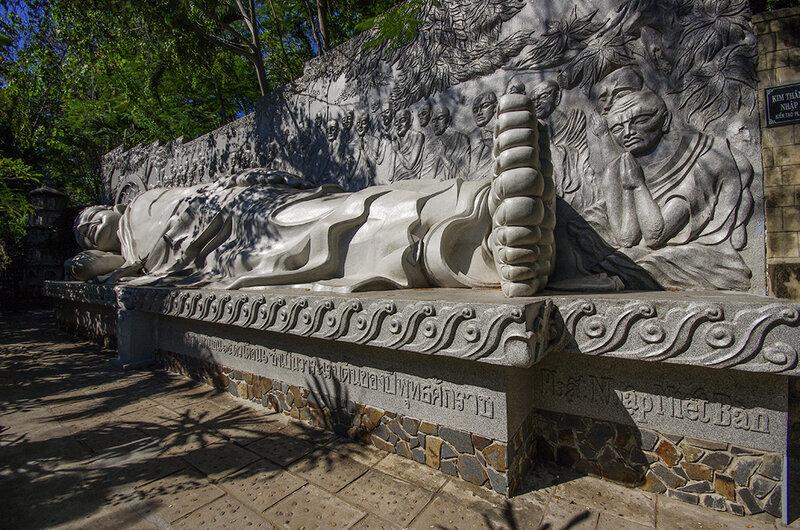 Будда лежащий