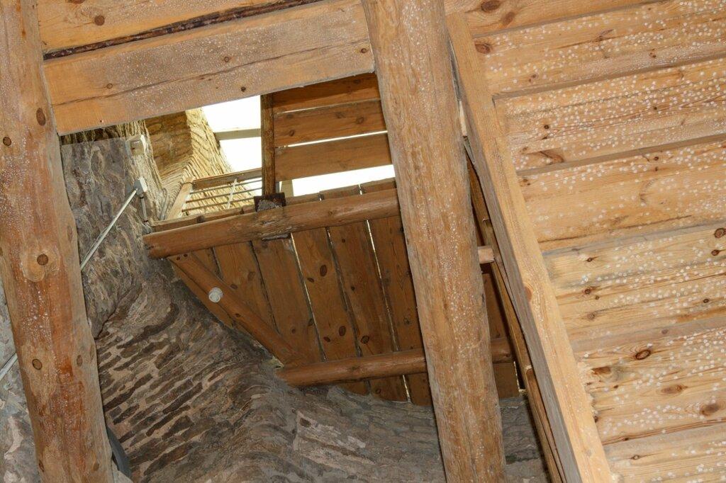 Башня Луковка, Изборская крепость