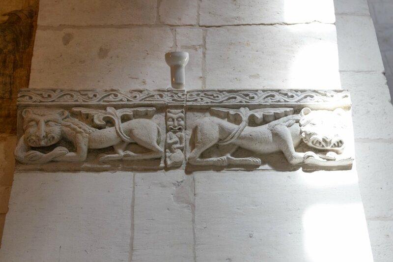 Фрагмент каменной резьбы, Дмитриевский собор, Владимир