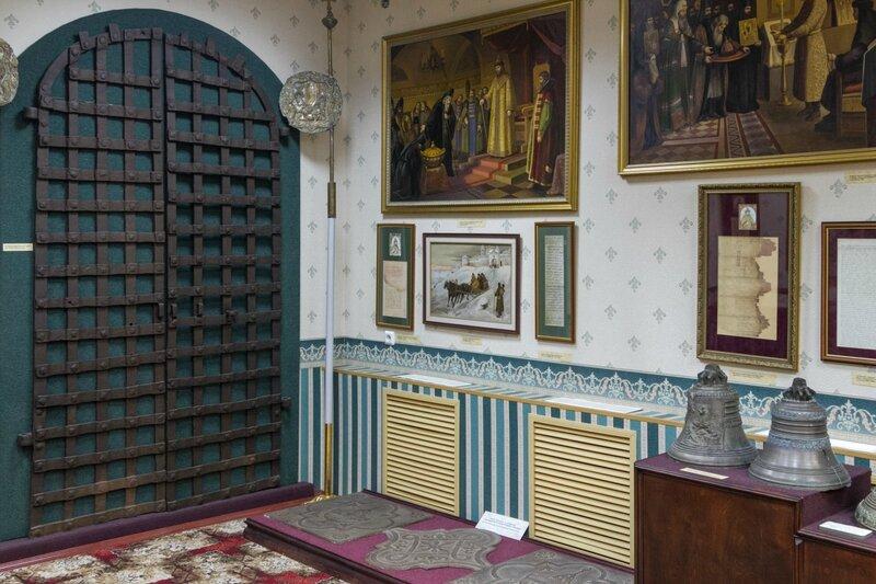 Экспозиция церковно-археологического музея Вознесенского печерского монастыря