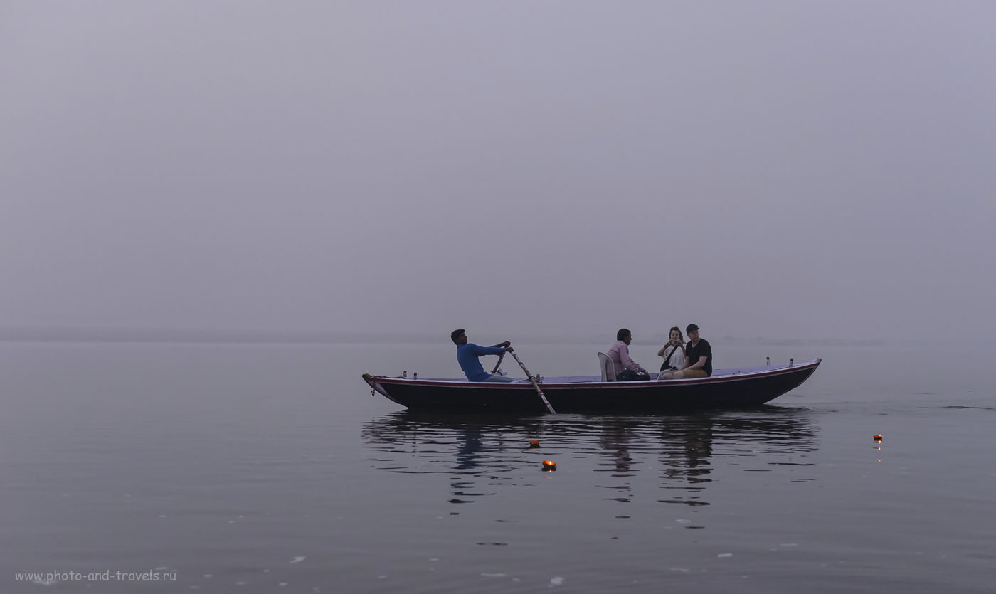 Фотография 11. И плывут тысячи таких свечей по Ганге каждое утро. 1/640, 2.8, 2500, 44.