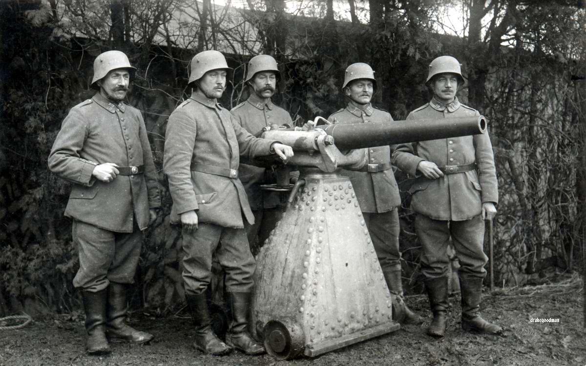 Немецкие резервисты получают инструкции по использованию трофейных французских скорострельных пушек калибра 57 мм (1917 год) - 2