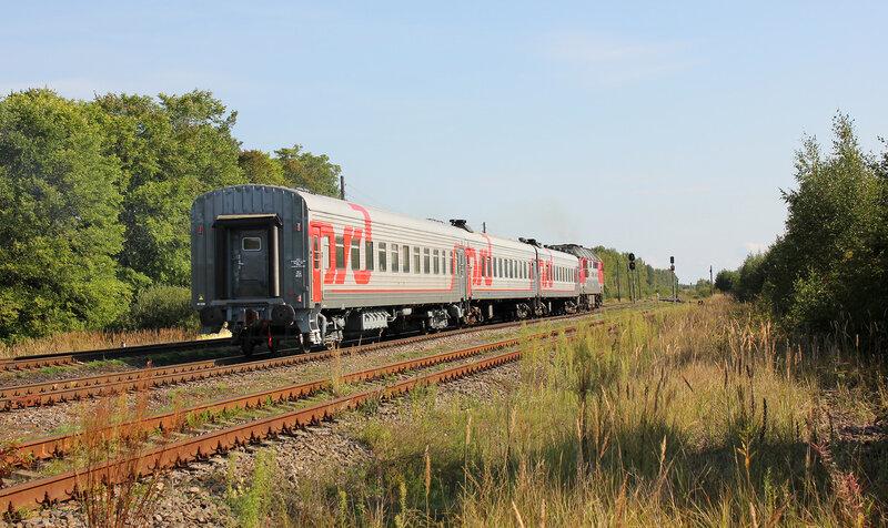 ТЭП70-0362 с пригородным поездом 6556 Псков-1 - Луга-1