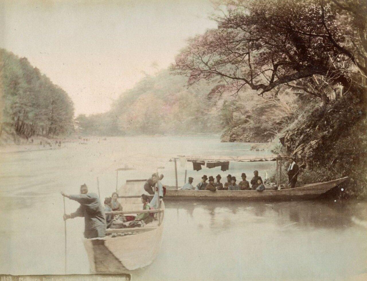 Прогулочные лодки на Хотсугава