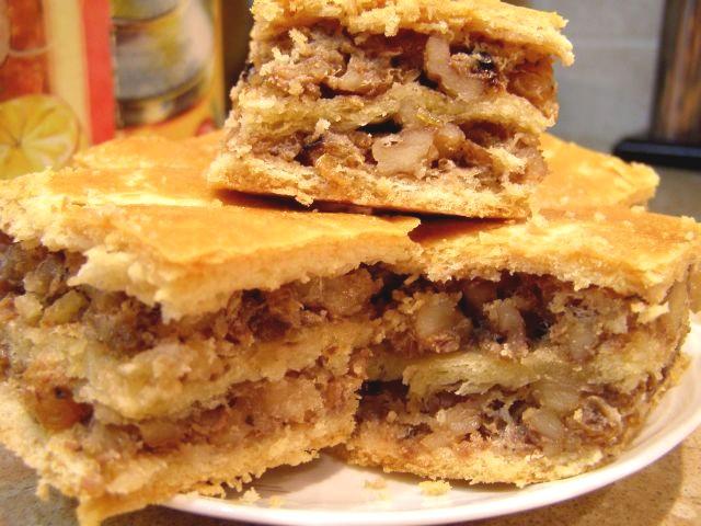 Пирожки с орехами и изюмом рецепт