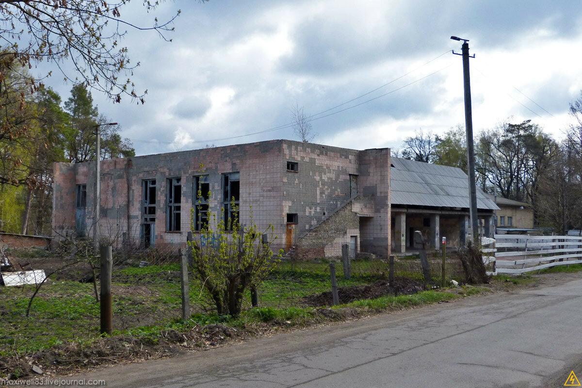 Закинутий кінотеатр Боярського сільгосптехнікуму