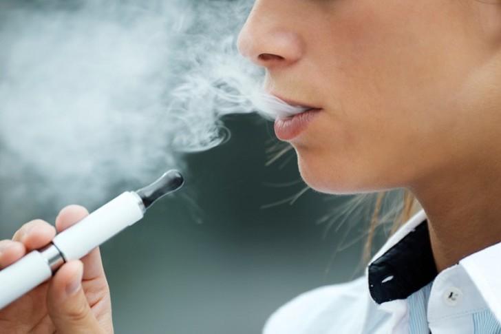 6. Электронные сигареты Это изобретение приобрело популярность в 2012 году. Имитация эффекта настоящ