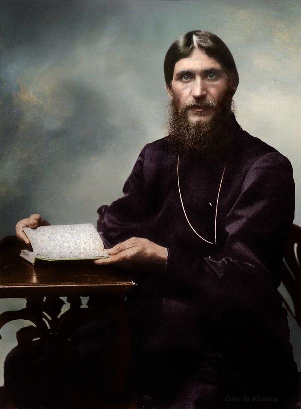 Этот человек был обычным сыном сибирского ямщика, прибывший в Питер для лечения царевича Алексея, а