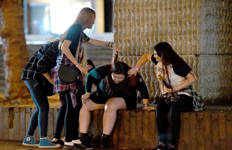 Вот как британские студенты отметили начало учебного года! (7 фото)