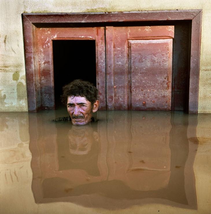Бразилия, март 2015. Жоао де Перрейра у своего дома.
