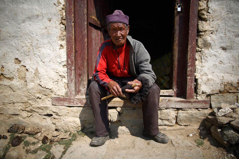 8. Маленький непалец. (Фото Navesh Chitrakar | Reuters):