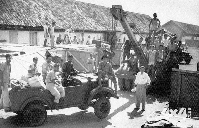 Автомобиль ГАЗ-69. Фотография первой пробной партии автомобилей ГАЗ-69, которые были поставлены в Ин