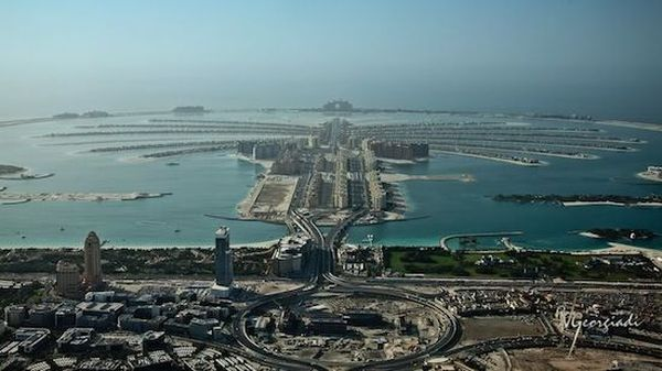 70. Весь берег так называемого старого города Дейры — это сплошной порт, небольшие торговые су