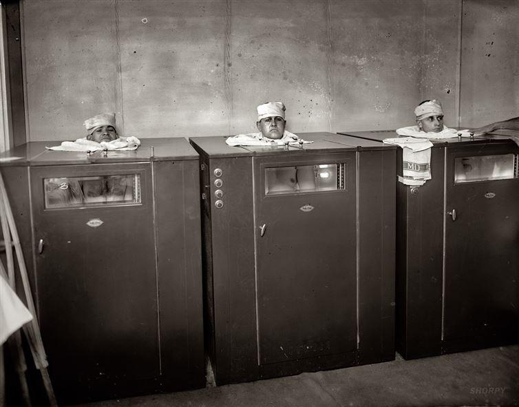 7. Физиотерапия, 1920-е годы. 8. Операции не всегда проводились под анестезией. Пациентам перед опер