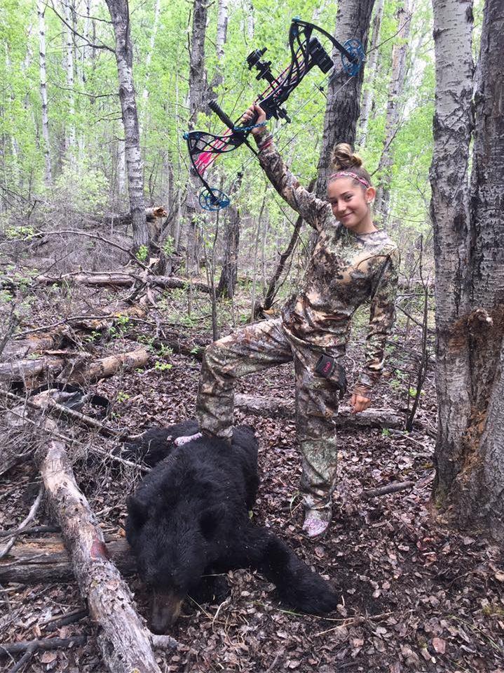 Арианна охотится с семи лет. Она описала поездку в ЮАР как охоту своей мечты. Фотографии 12-летней о