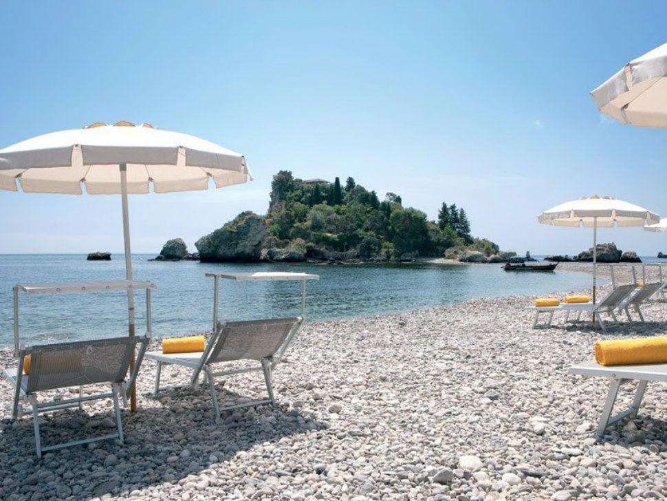Фантазия — безмятежный отдых на уединенном пляже курорта La Plage на Сицилии.