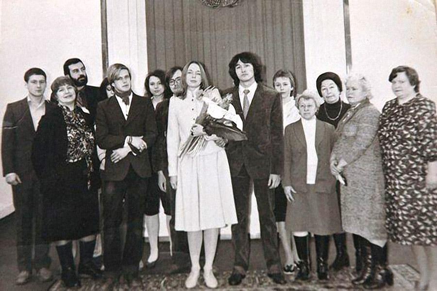 Виктор Цой и Марианна Родованская Виктор и Марианна поженились лишь через три года после знакомства,