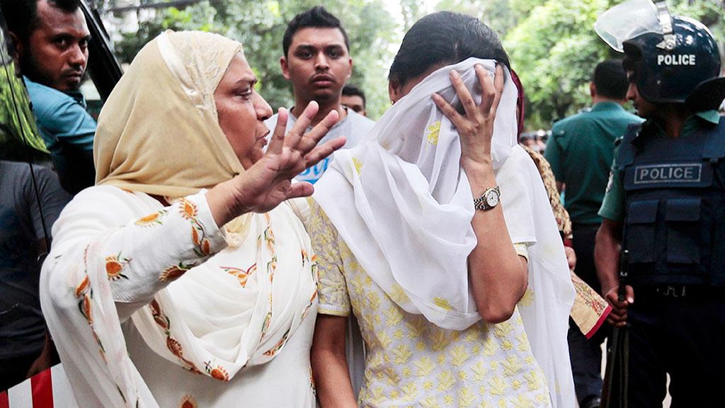 Большинство погибших при атаке вБангладеш— итальянцы ияпонцы