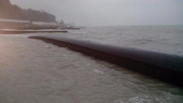 Шторм оторвал 200-метровый кусок глубоководной канализации вСочи