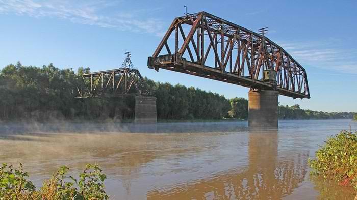 Мосты, с которыми что-то пошло не так
