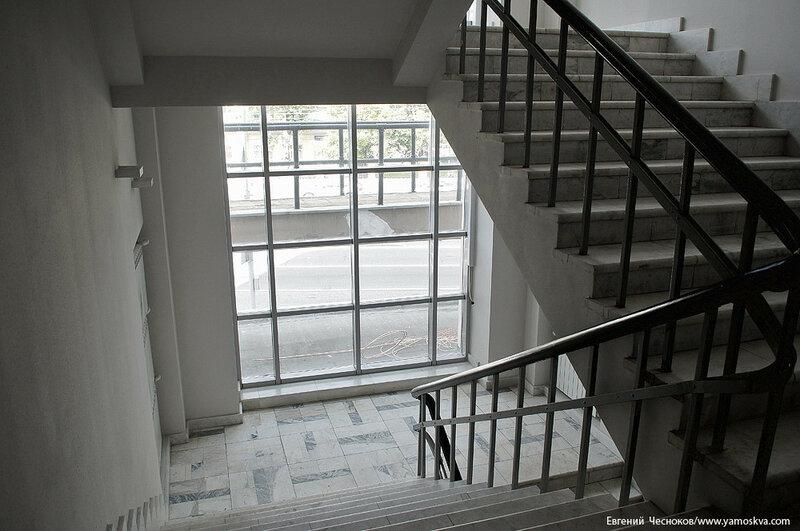 35. Театр Виктюка. лестница. 09.09.16.01..jpg
