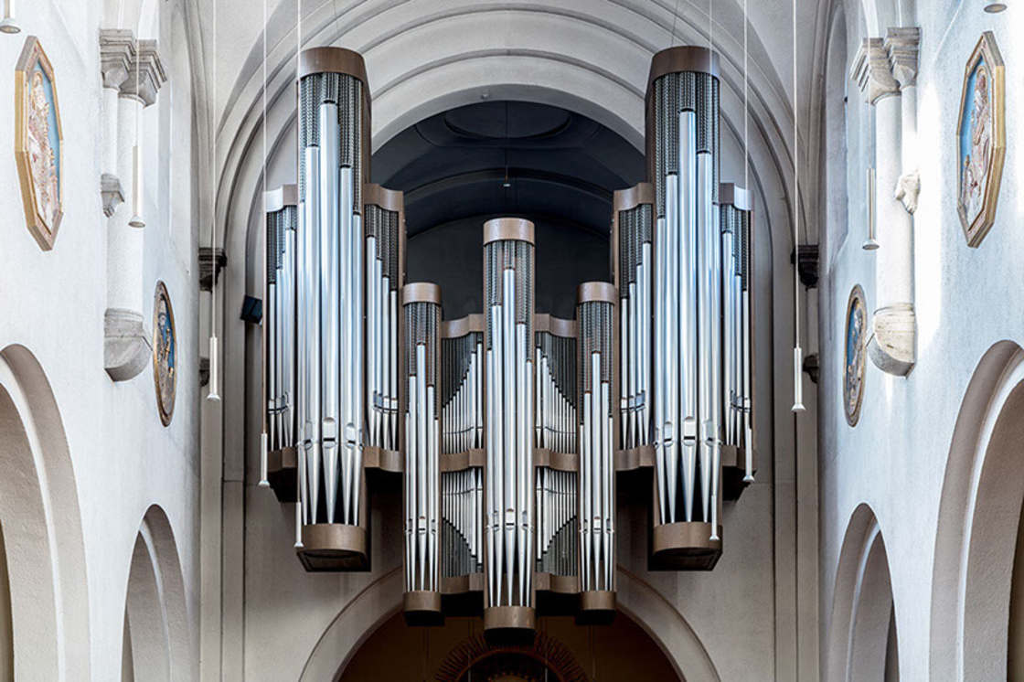 The fascinating beauty of pipe organs