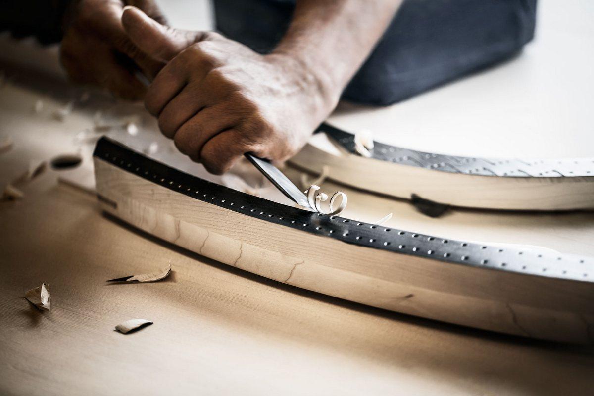 Фототур по фабрике Steinway & Sons в Гамбурге, ручная работа с древесиной