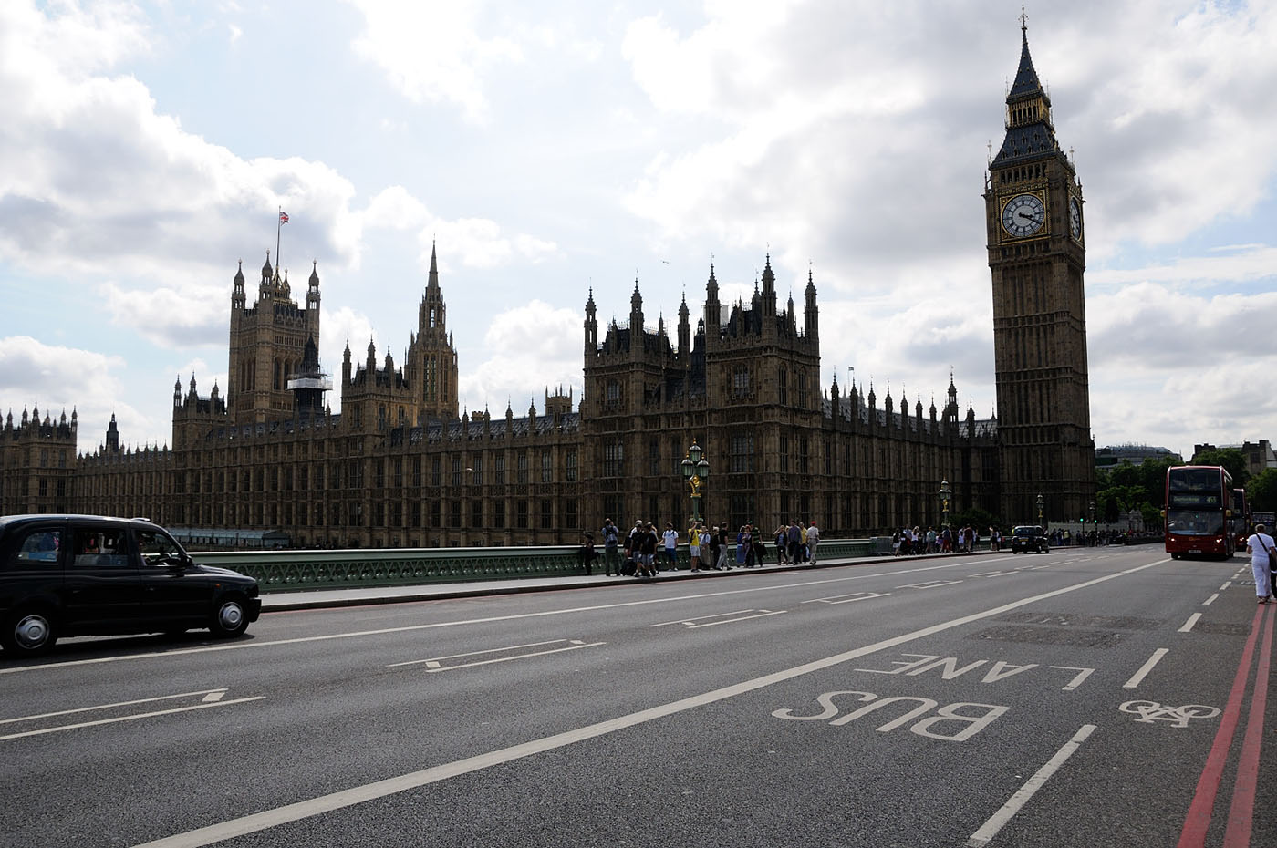 Фотография 1. Обзор камеры Nikon D300s. Лондон. Биг Бен. Параметры съемки: ISO 200, F8, 1/800 s.
