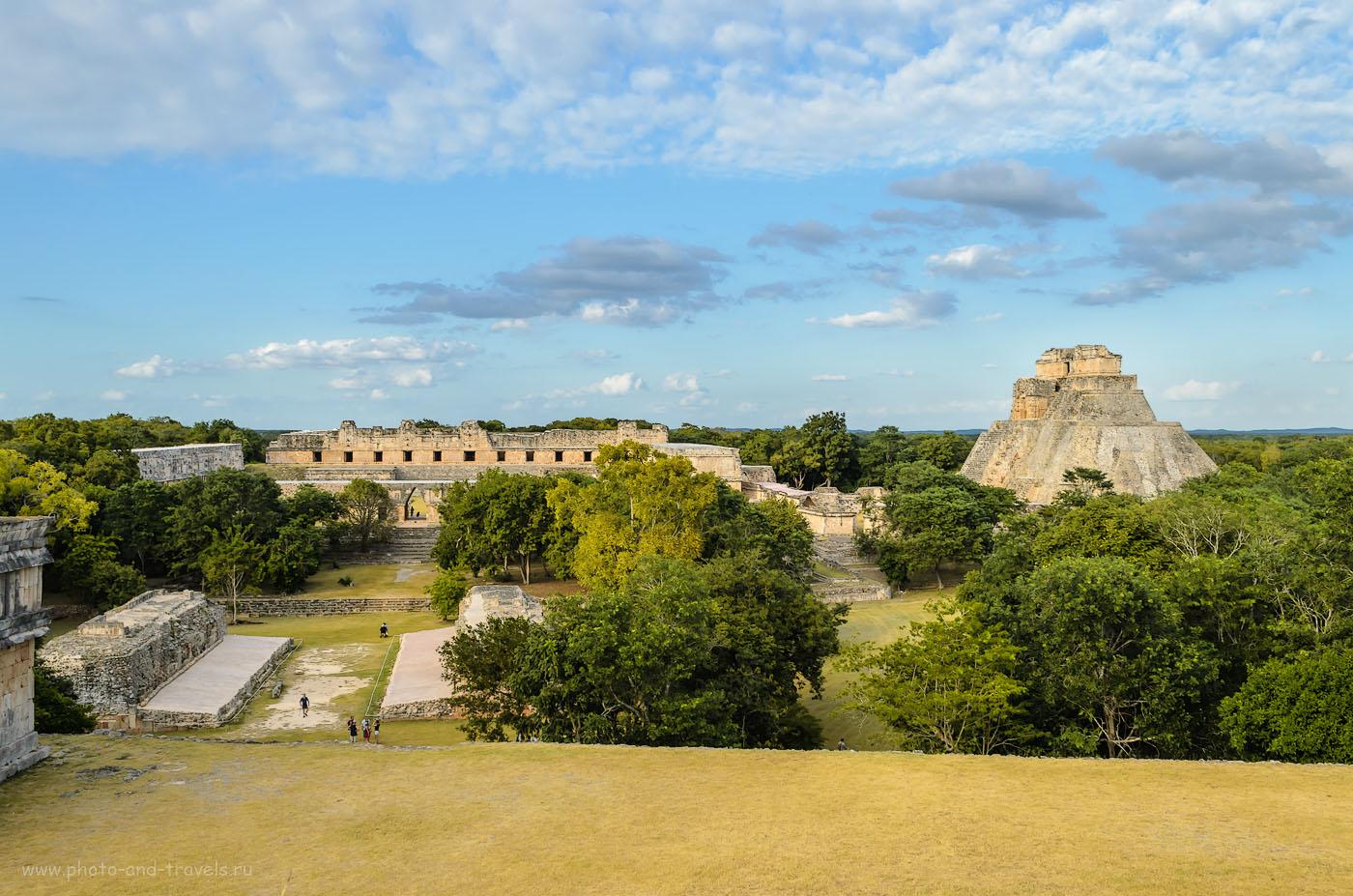 Фотография 4. Пирамиды индейцев Майя в старинном городе Ушмаль (Uxmal). Во время отдыха в Мексике можно съездить на экскурсию к нескольким индейским городам. Ушмаль - одно из самых интересных мест. 1/125, 11, 22, 200.