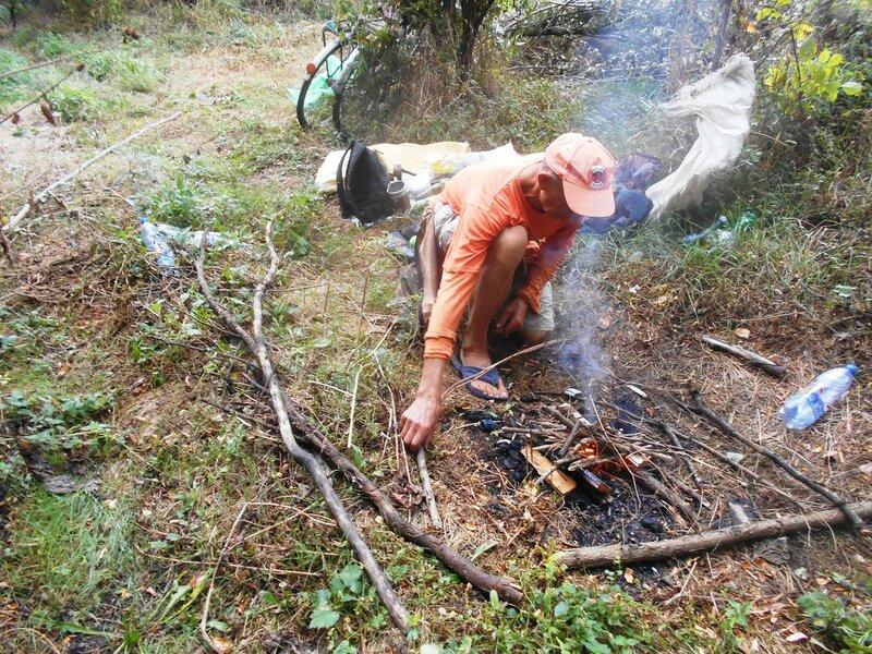 Пусть возгорится пламя, нужен завтрак туриста ... DSCN8908.JPG