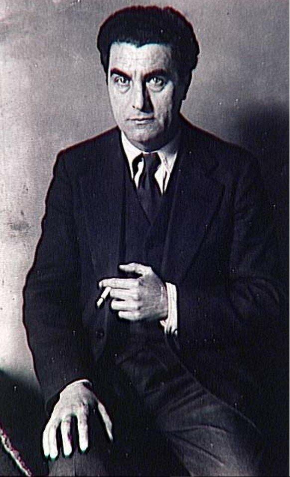 1932. Эдгар Варез
