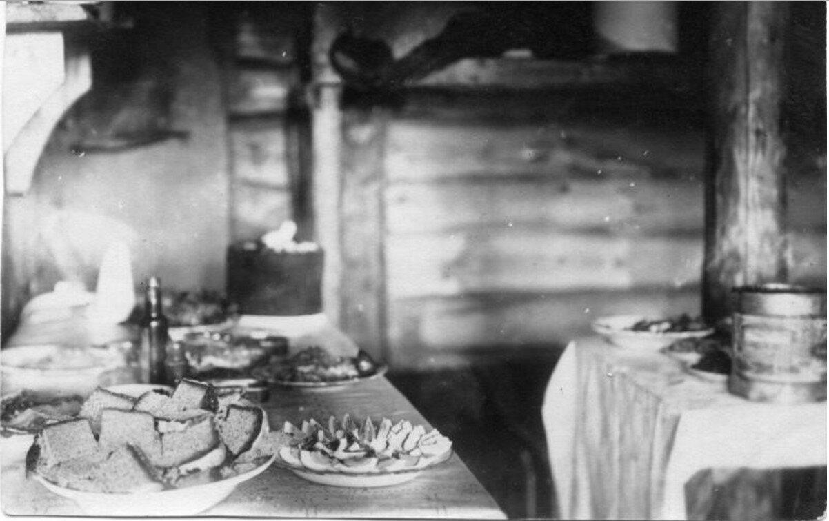 1916. 267-й пехотный Духовщинский полк. Пасхальный стол