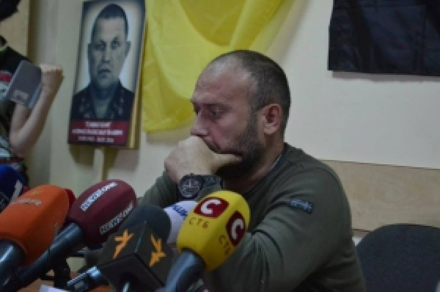Дмитрий Ярош о крайностях во время противостояния возле ВР