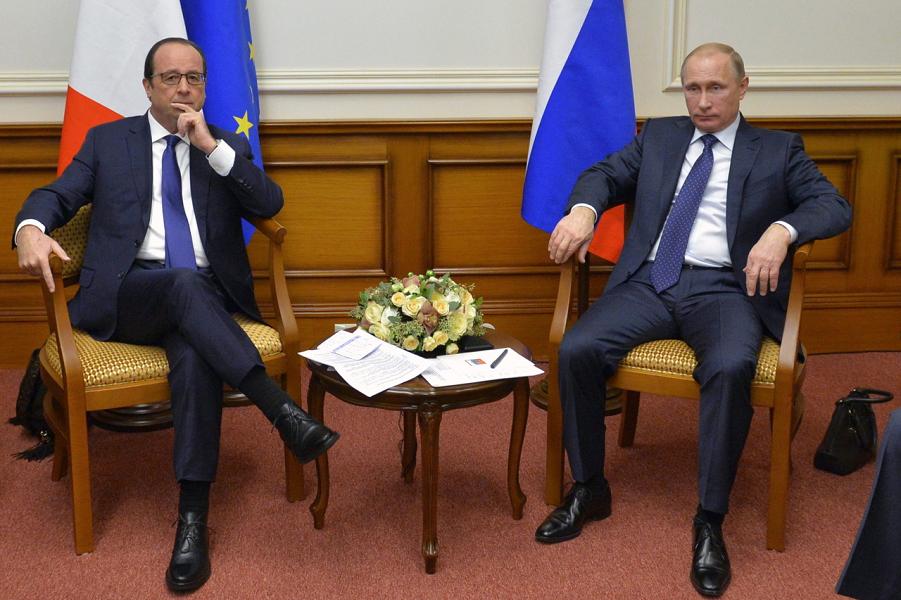 Встреча Путина с Олландом во Внуково 6 декабря 2014.png