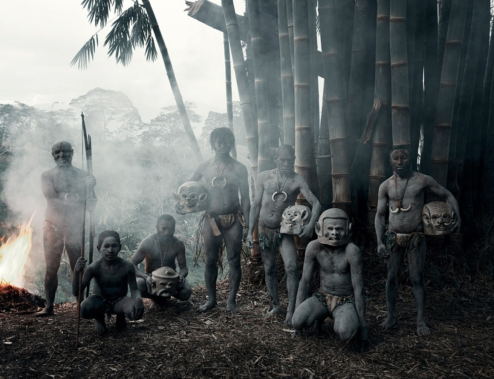 Асаро (воригинале Асаро мудмен— «люди среки Асаро, покрытые грязью») считается племенем таинствен