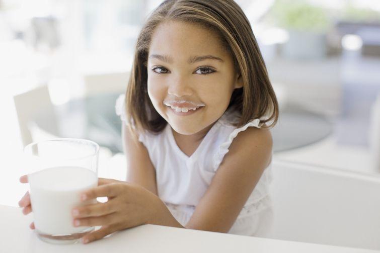 1. Ежедневное потребление молока полностью удовлетворяет потребность организма в кальции Всем извест