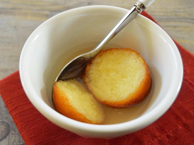 Сладкие шарики изсухого молока всиропе. Печенье хангва, Корея