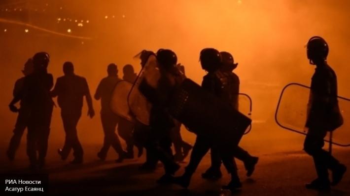 Впроцессе протеста вЕреване мужчина совершил попытку самосожжения