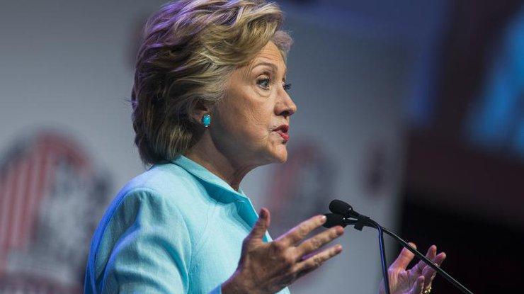 Юзеры интернета обеспокоены здоровьем Хиллари Клинтон