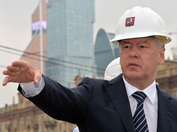 Собянин пообещал деньги недовольным новыми квартирами москвичам